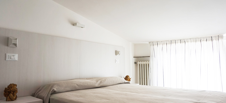 Attico in centro a gabicce mare trilocali in affitto for Appartamenti gabicce mare